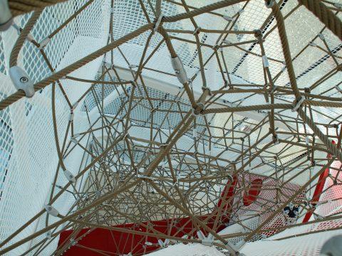 Artikelbild von Berliner bauen größtes Raumnetz für den Spielturm der Swarovski Kristallwelten