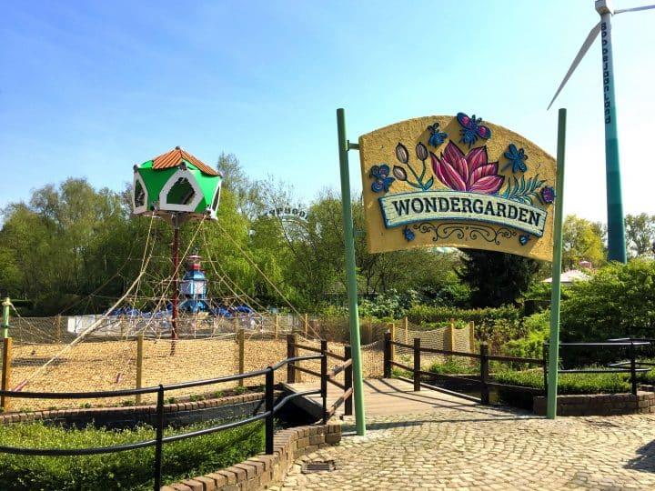 """Berliner Seilfabrik Spielplatz """"Wondergarden"""" im Bobbejaanland, Belgien"""
