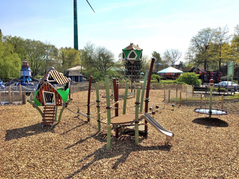 Spielbereich für die kleinen Kinder der Berliner Seilfabrik im Freizeitpark Bobbejaanland