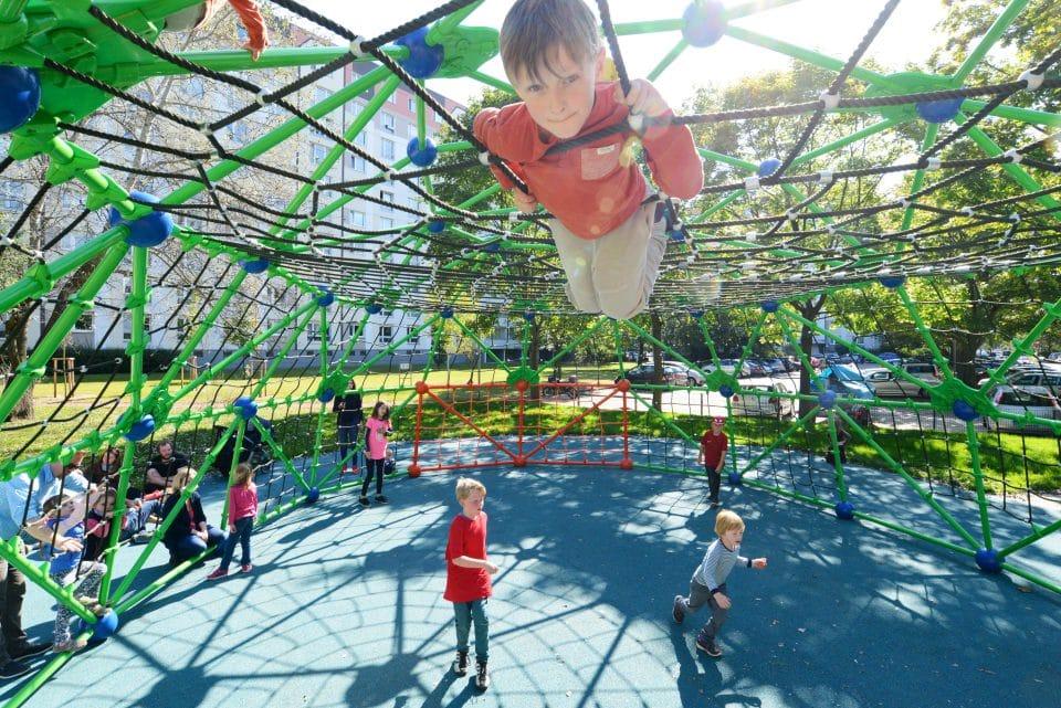 Flächennetz, Klettergerüst - Berliner Seilfabrik – Spielgeräte fürs Leben