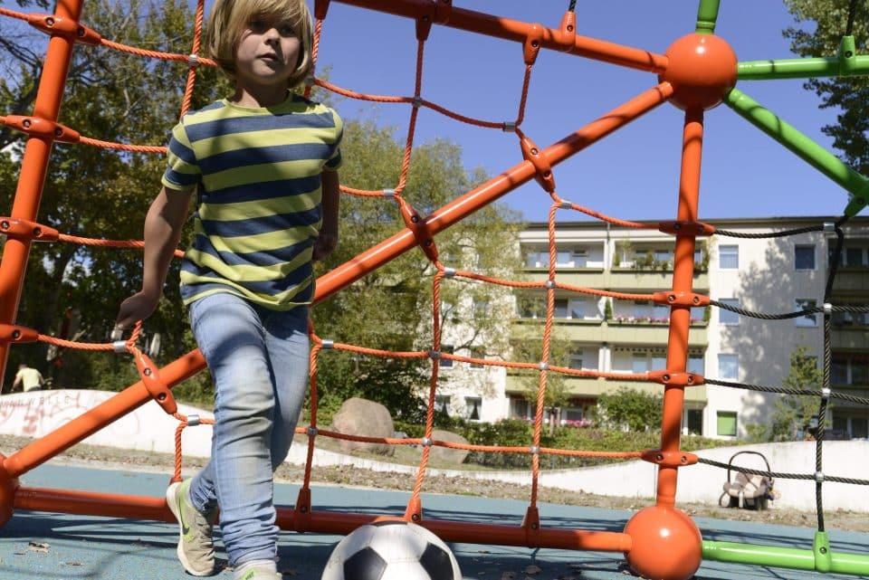 Tor, Bolzplatz - Berliner Seilfabrik – Spielgeräte fürs Leben