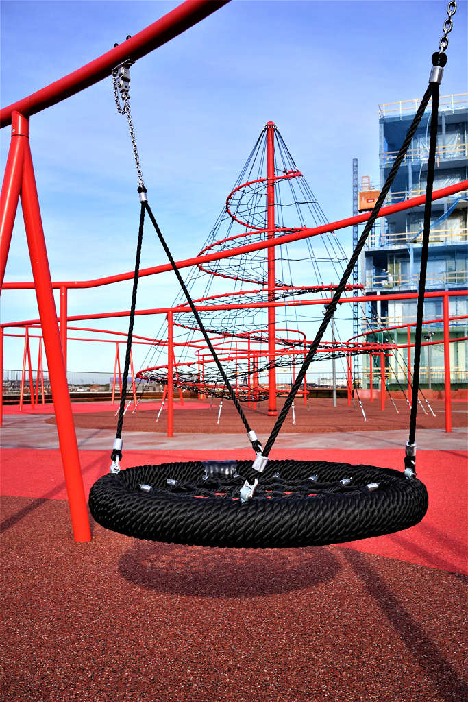 Rooftop playground - Berliner Seilfabrik - Play equipment for life