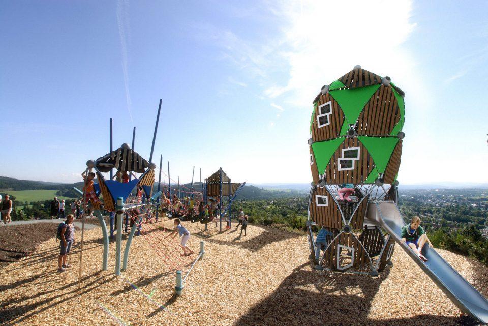 Seilspielhaus Quadro Boo – Berliner Seilfabrik – Spielgeräte fürs Leben