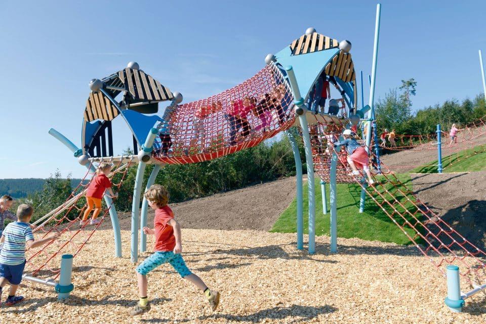 Europe's longest playground – Berliner Seilfabrik – Play equipment for life