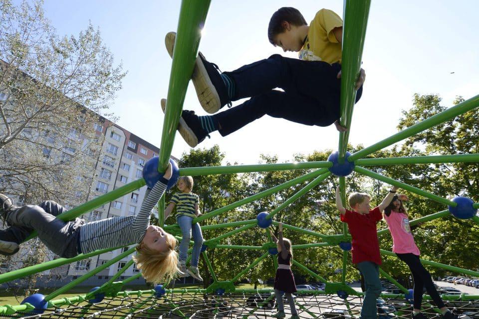 Außengerüst Geoarena - Berliner Seilfabrik – Spielgeräte fürs Leben