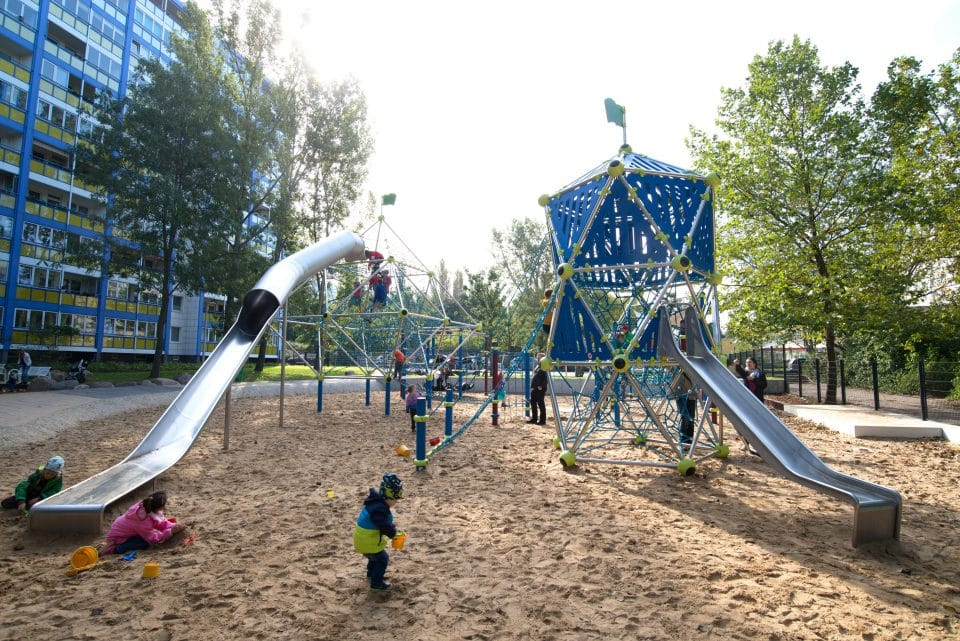 Large playground – Berliner Seilfabrik – Play equipment for life