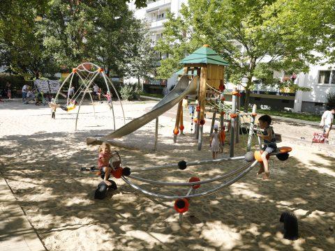 Artikelbild von Playground for a Housing Association